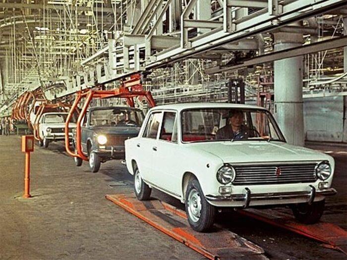 """Модели ВАЗ-2101 недавно исполнилось пятьдесят лет. На учете в ГИБДД до сих пор стоят несколько сотен тысяч """"копеек"""""""