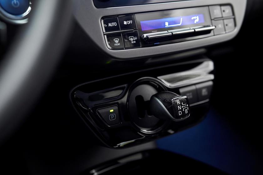 Toyota Prius 2020 Edition: компания выпустит всего 2020 юбилейных гибридных автомобилей в честь 20-летия модели