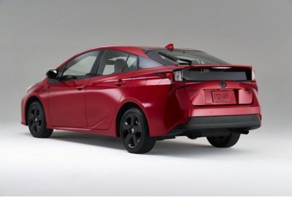 Toyota Prius исполнилось 20 лет. Он по-прежнему является самым популярным гибридом.