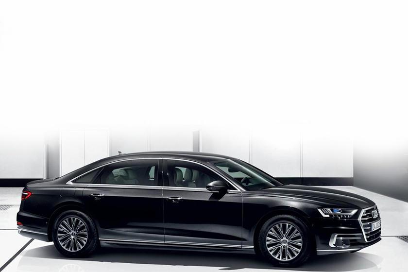 Максимальная защита независимо от ситуации: Audi представила первоклассный бронированный седан A8 L Security