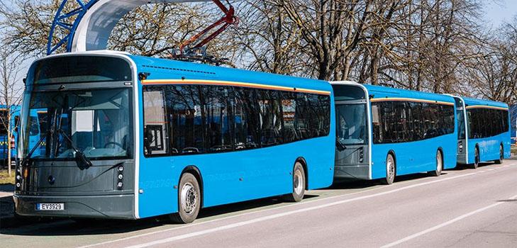 В Клайпеде создали сверхлегкий электроавтобус с кузовом из переработанного пластика: время зарядки батареи - всего 6 минут