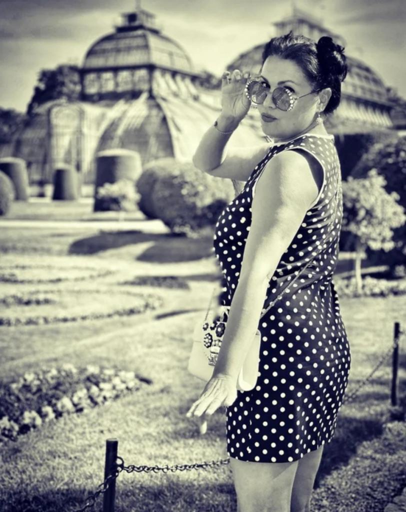 Анна Нетребко похвасталась фигурой: оперная дива заметно похудела на самоизоляции