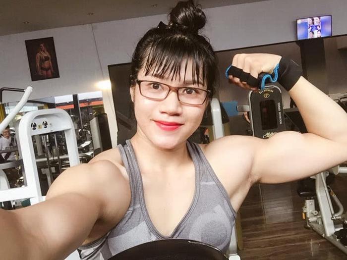 Тело сильнее, чем у многих мужчин: при виде снимков этой миловидной девушки в полный рост многие думают, что они отфотошоплены