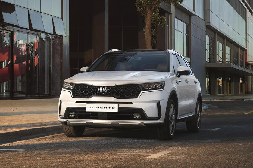 Имеет собственную индивидуальность: представлен тизер потрясающего Hyundai Sante Fe