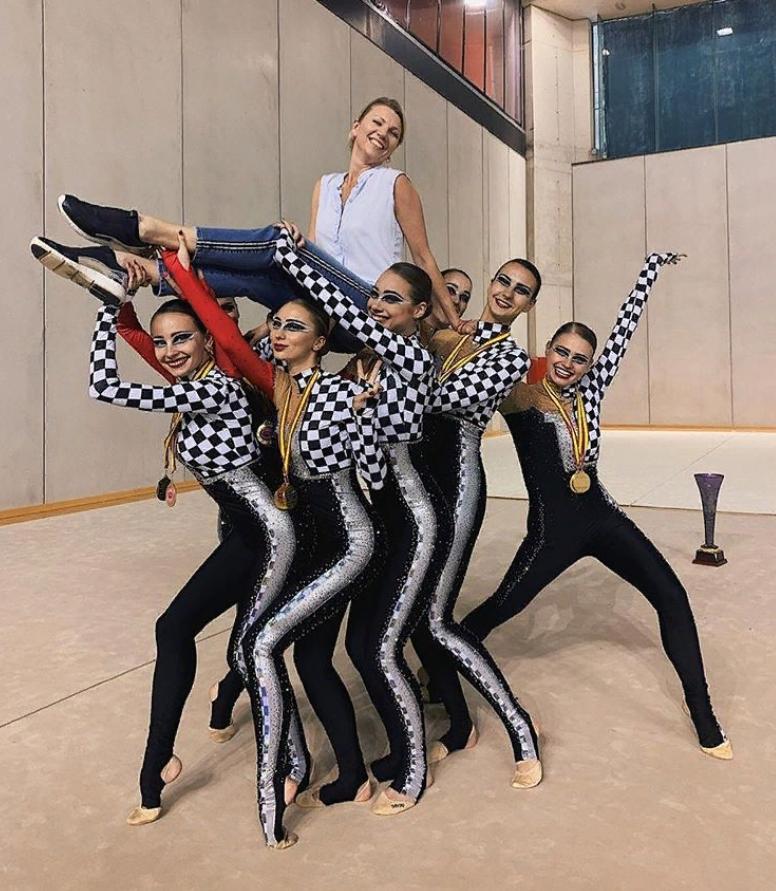 Алексей Глызин почти 30 лет женат на гимнастке: в 50 лет она выглядит потрясающе