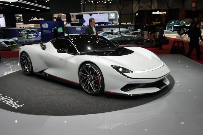Международный автосалон в Женеве хотят перенести на 2022 год: величайшее автомобильное шоу в мире терпит убытки
