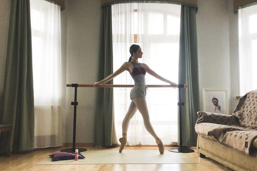 Как всегда в отличной форме. Как выглядят и чем занимаются на карантине русские и американские балерины