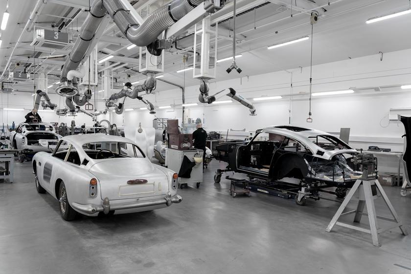 Aston Martin Job 1 DB5 Goldfinger: компания объявила о начале производства еще одного авто Бонда из лимитированной серии