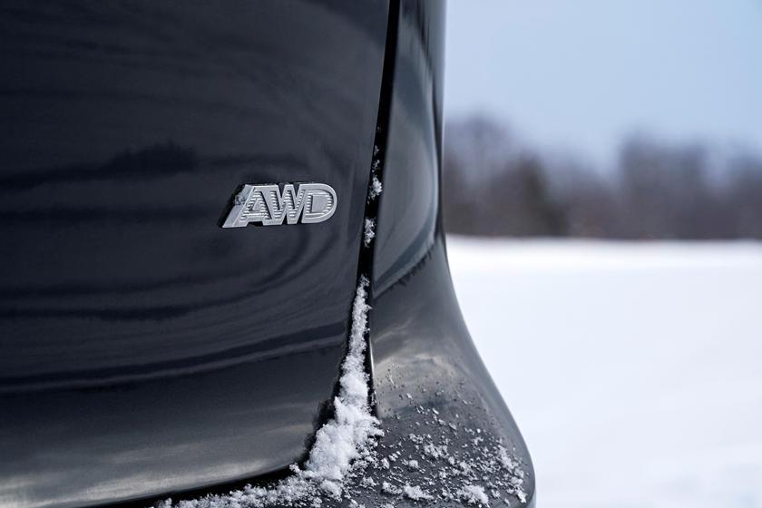 Выход на один модельный год раньше: компания FCA неожиданно объявила о выпуске в 2020-м Chrysler Pacifica AWD Launch Edition