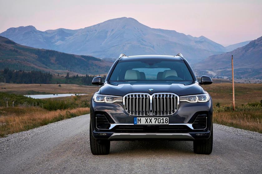 Wi-Fi в салоне, новая цветовая палитра: BMW анонсировала обновления для X5, X7 и 3 серии 2021 года