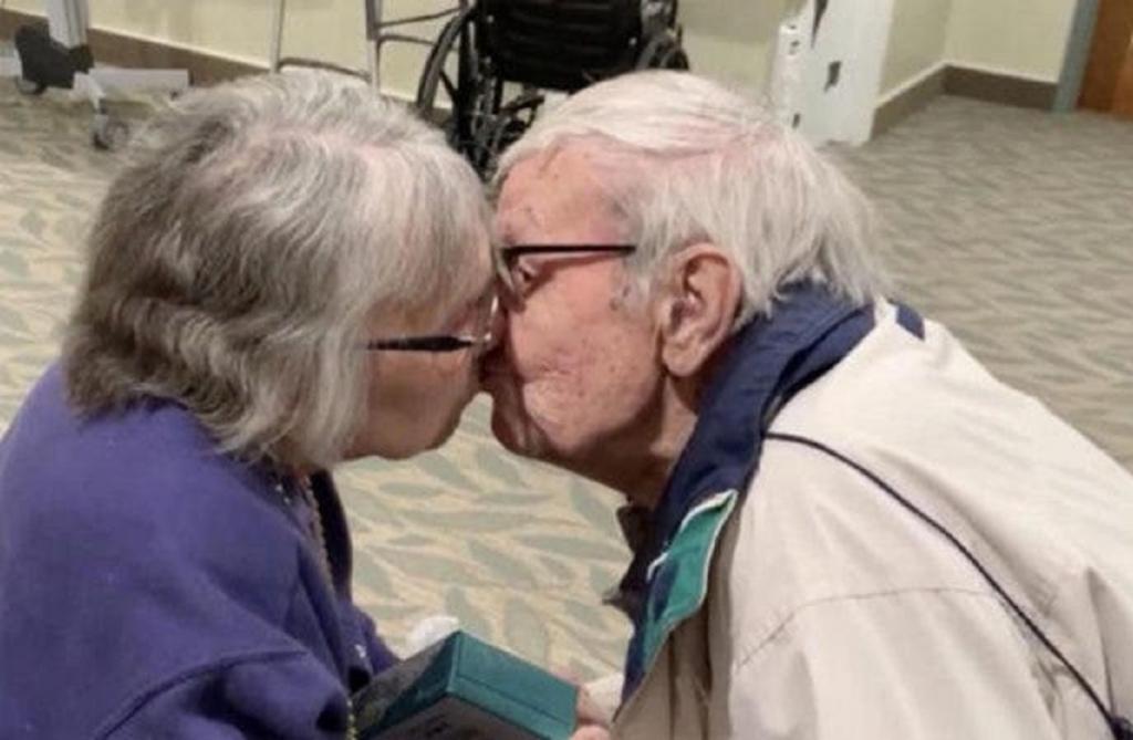 Поцелуй при встречи