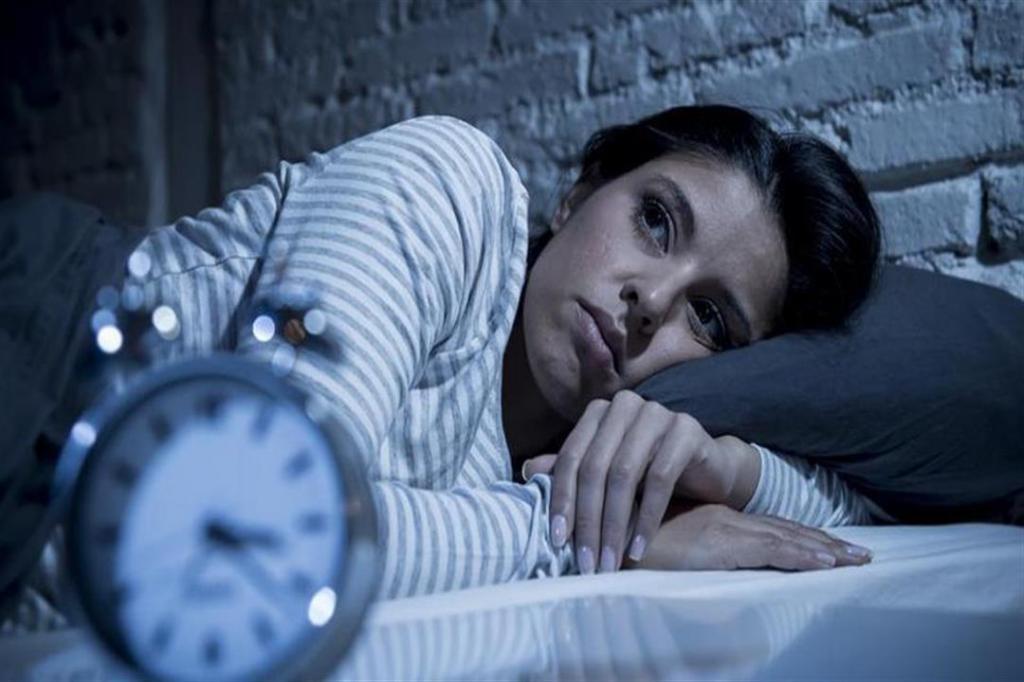 На протяжении десятилетий ученые пытались узнать, почему отсутствие сна сокращает жизнь: что им удалось выяснить