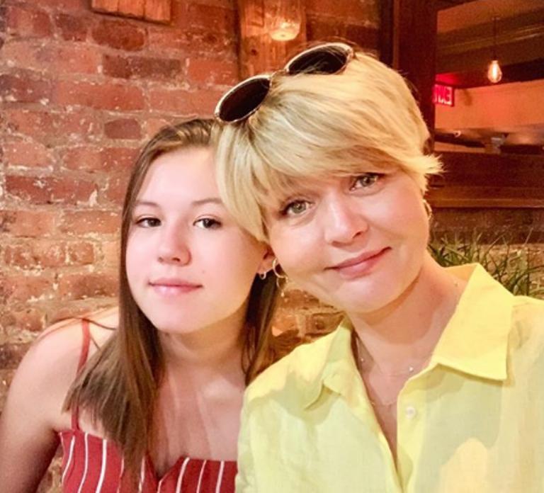 Юлия Меньшова показала, как сейчас выглядят ее дети. Сын-красавчик, а дочь напоминает маму