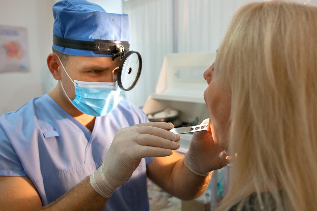 Только вчера узнала, что ЛОР и оториноларинголог - это не одно и то же: в чем различие между этими врачами