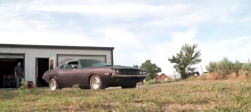 Отец приобрел новую машину в 1974 году: его сын разыскал и купил этот же Dodge Challenger в 2020 году