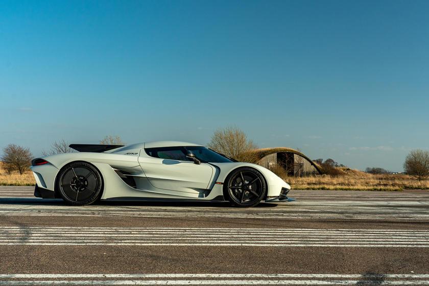 """""""Можем ожидать более захватывающее открытие"""": Koenigsegg готовит к выпуску всего 11 гиперкаров LM"""