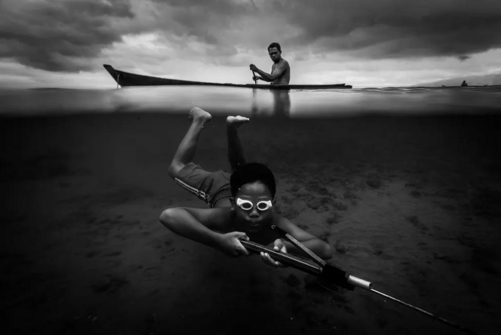 10 фото, удостоенных международной премии Хамдана 2020: захватывающий подводный мир и отношение человека к воде