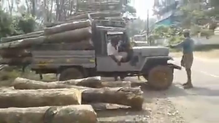 Когда гидравлика не работает на самосвале, индийские мужчины всегда найдут оригинальный выход (видео)