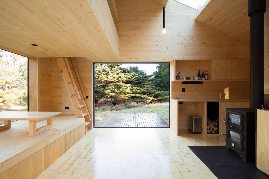 Дизайнеры построили крошечный дом для отдыха на острове Бруни для девушки, которая жила на Тайване