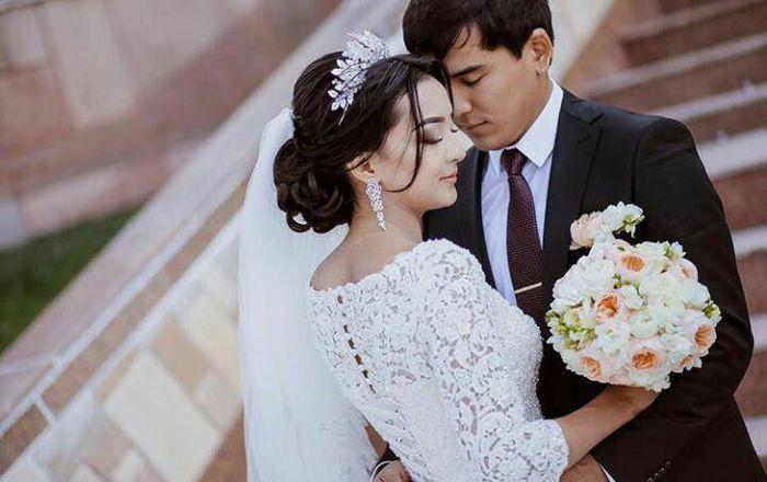 Деньги вместо подарка и длинная церемония: что гостей раздражает на свадьбе