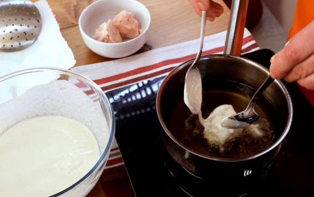 На празднике подала жареное мороженое в кляре: подруга, которая долго жила в Китае, похвалила и сказала, что оно напоминает восточный десерт
