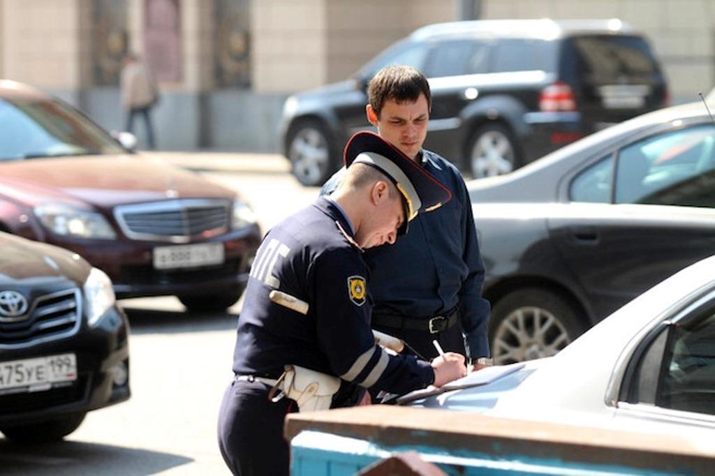 """Забудьте о правом руле и знаке """"инвалид"""": новые правила для водителей с 1 июля в России"""