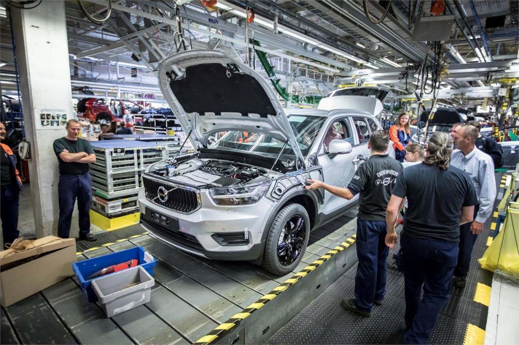 Автомобили Volvo небезопасны: автопроизводитель объявил крупнейшую отзывную кампанию за всю свою почти 100-летнюю историю