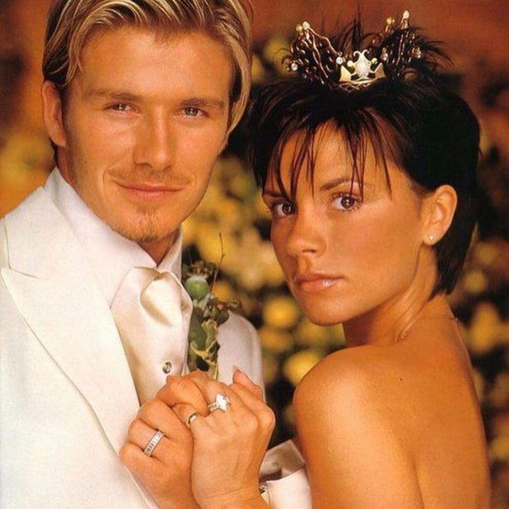 21 год назад состоялась свадьба Бекхэмов, сегодня Дэвид вспоминает, как они с Викторией полюбили друг друга