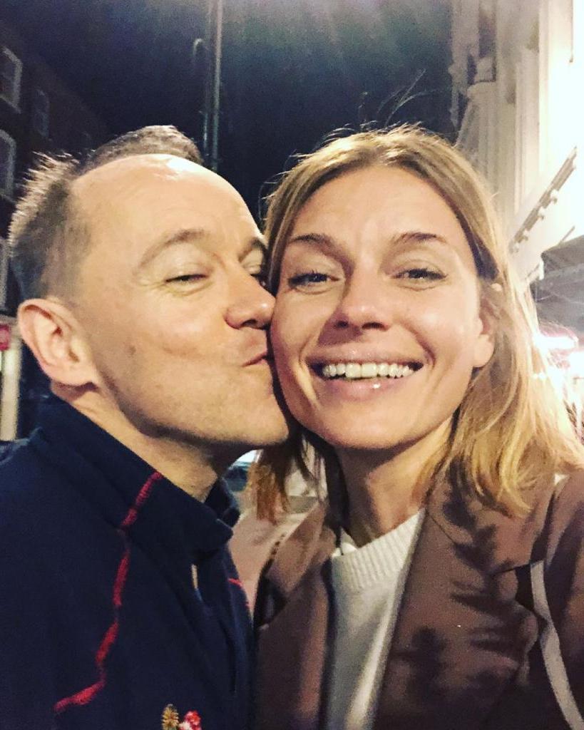 «Карантин все расставил по местам»: Толкалина объявила о расставании с британским композитором Саймоном Бассом