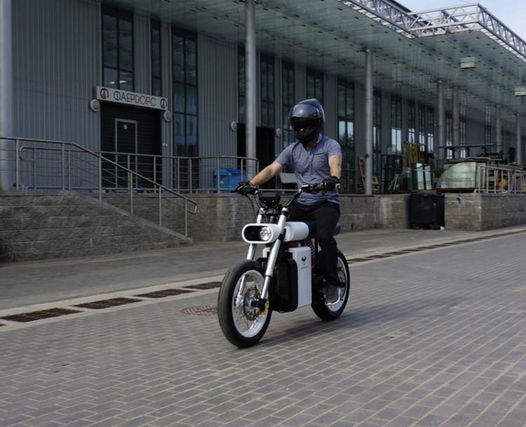 Идеальные характеристики:коллектив единомышленников из России и Белоруссиисоздалгородской электроцикл Punch