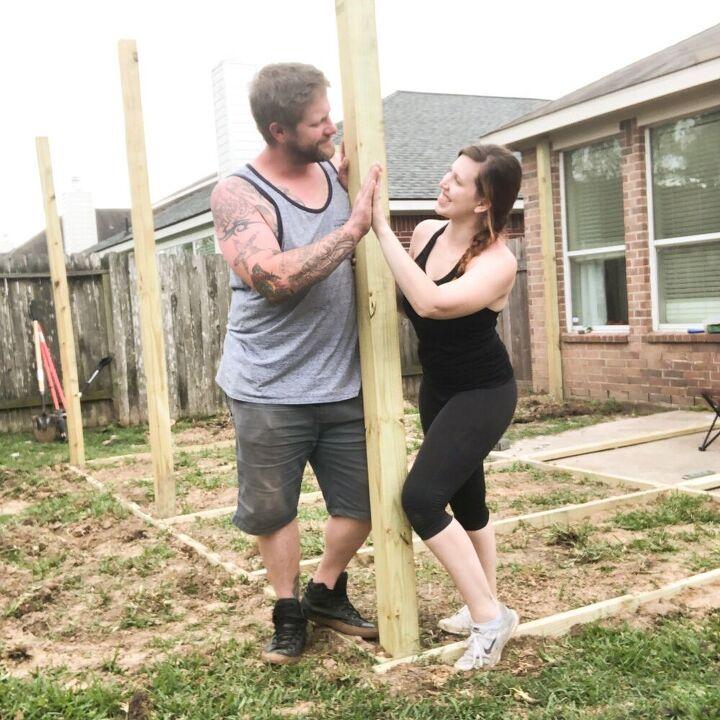 Наконец-то дошли руки до двора: с мужем сделали шикарный уголок для отдыха