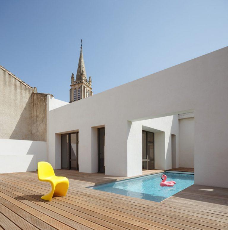 Архитекторы преобразили старый винный амбар и прилегающий к нему дом: проект основан на диалоге между архитектурой, историей и техникой