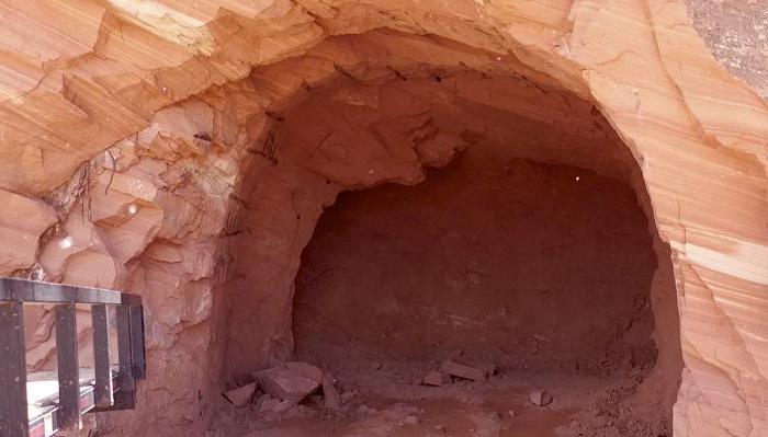 Мужчина 25 лет рыл в пещере для себя дом: результаты его трудов просто впечатляют (фото)