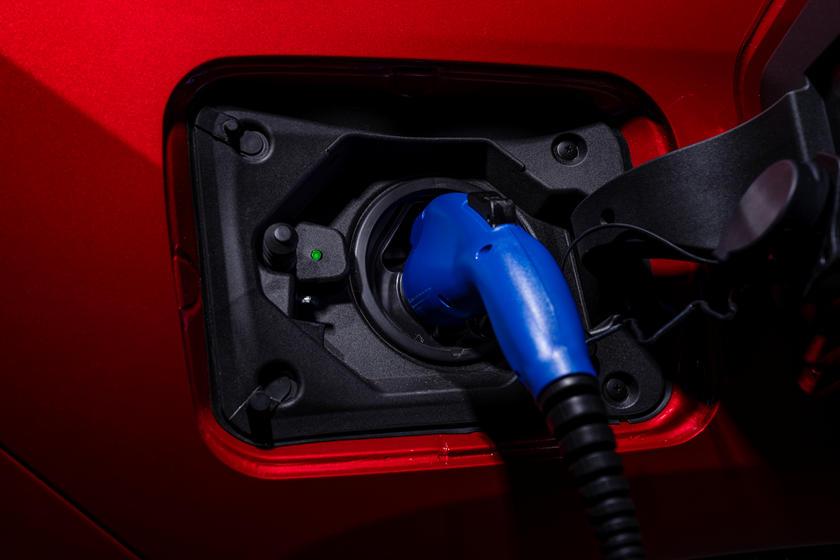 Инженеры Toyota завершили создание прототипа инновационной твердотельной батареи