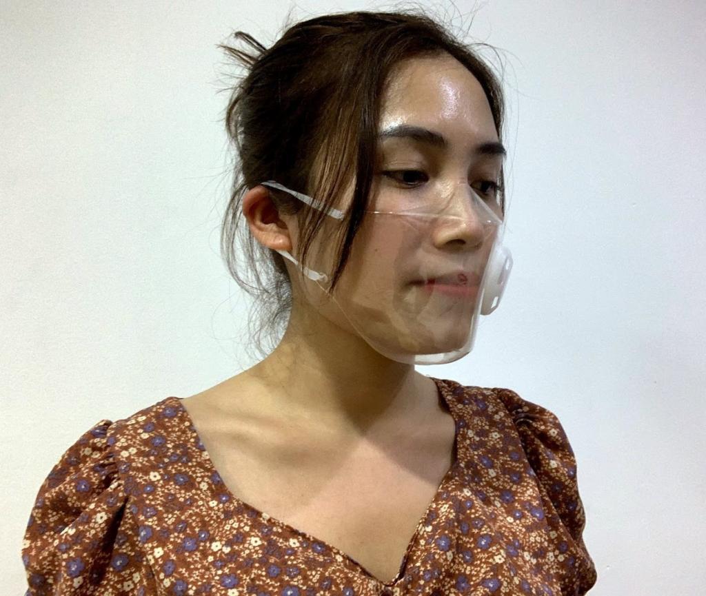 Модно и красиво: народ переходит на прозрачные маски. На лице они смотрятся стильно: фото