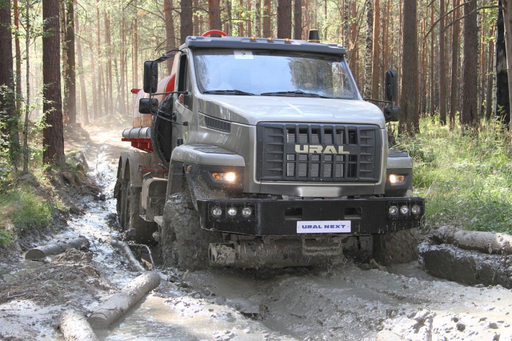 """КамАЗ, """"Урал"""", """"Вольво"""": на каких грузовиках предпочитают ездить водители"""