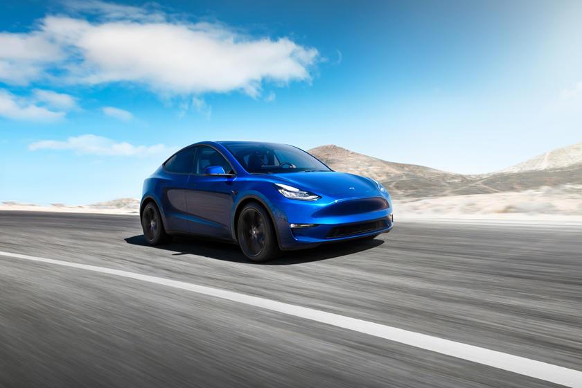 Станет самым дешевым вариантом с большим пробегом: началось пробное производство Tesla Y Long Range RWD