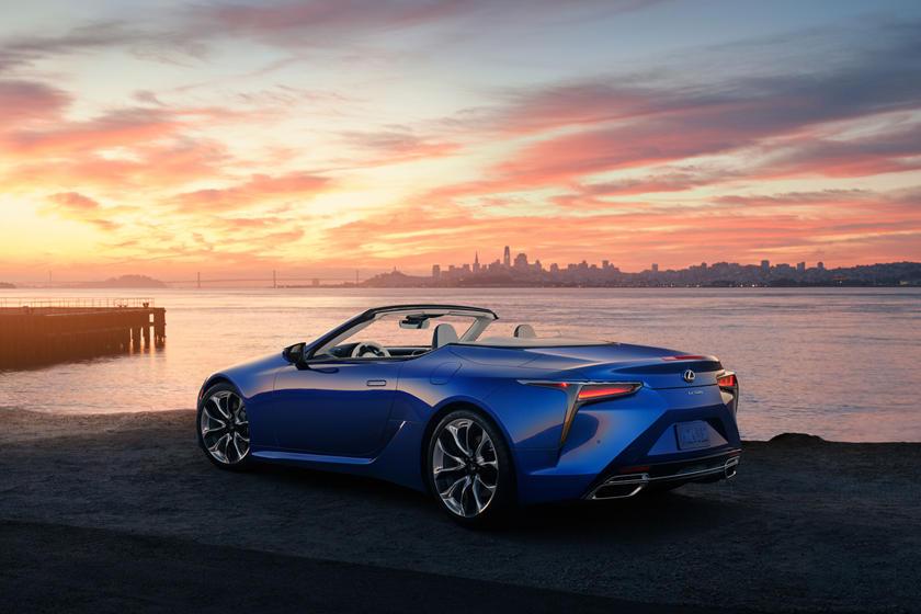 Эксклюзивная окраска под названием Structural Blue: Lexus представил особую версию кабриолета LC 500 Regatta Edition
