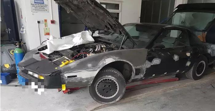 Парень превратил старый Pontiac в шикарный автомобиль из сериала «Рыцарь дорог», потратив на переделку $20 000
