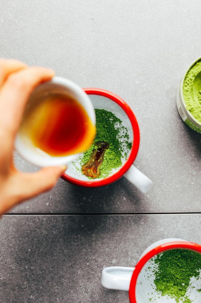 Лучший антиоксидант, освежающий в любую жару: рецепт латте матча для настоящих гурманов
