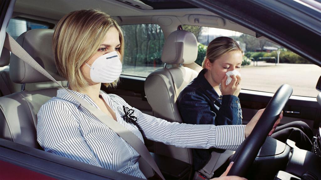Горелое масло из-за мотора: эксперты рассказали, как по запаху определить неисправность автомобиля