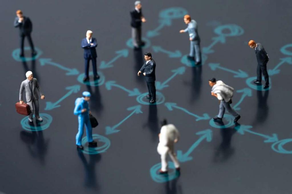 Оставляйте не менее 10 вдумчивых комментариев в день в социальных сетях. Как оставаться на связи при социальном дистанцировании?