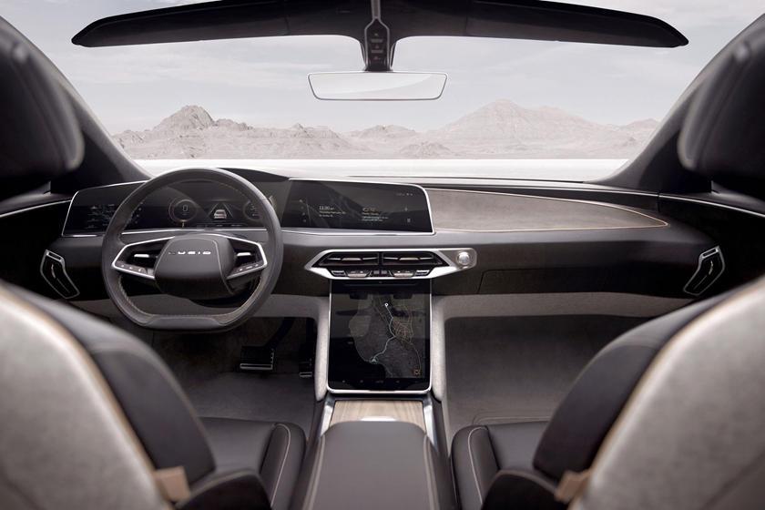 Tesla Model S обошли: электромобиль Lucid Air проехал на одном заряде 832 км. Дебют авто состоится 9 сентября