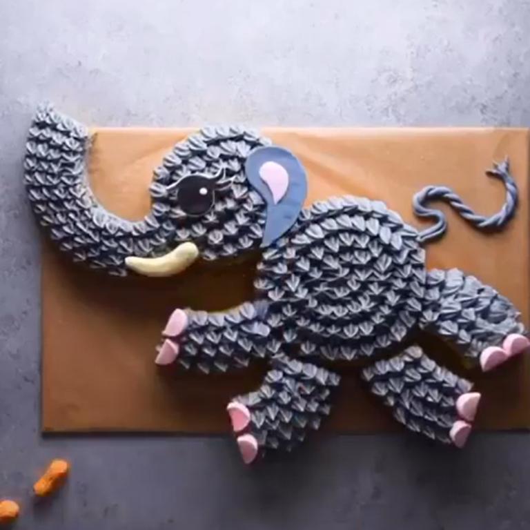 Из скучного прямоугольника в необычные формы: сестра научила превращать бисквитный корж в произведение искусства