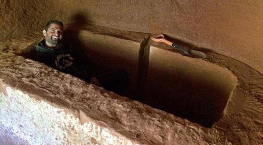 Мужчина превратил пещеру в дом своей мечты. Его жилье теперь лучше, чем у знаменитостей 20