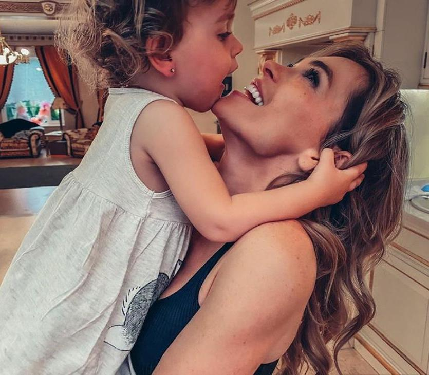 Анна Хилькевич отметила 2-летие дочери: актриса рассказала, как готовилась к празднику 19