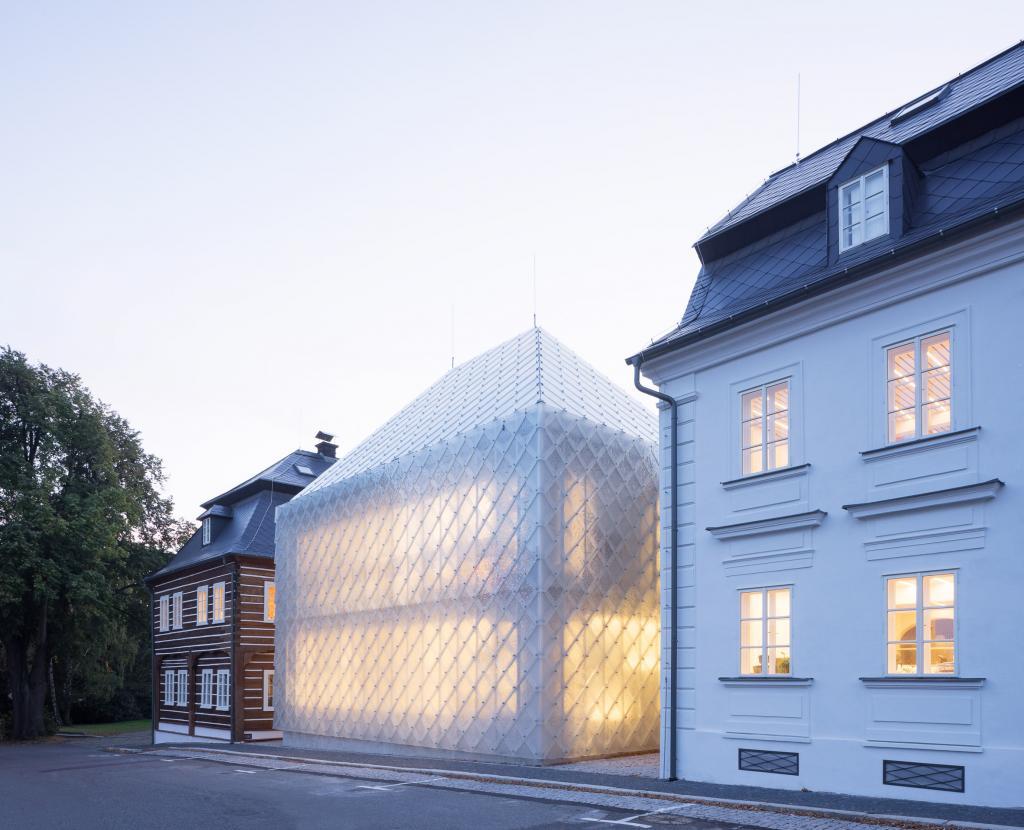 9 зданий, у которых необычный полупрозрачный фасад, пропускающий свет