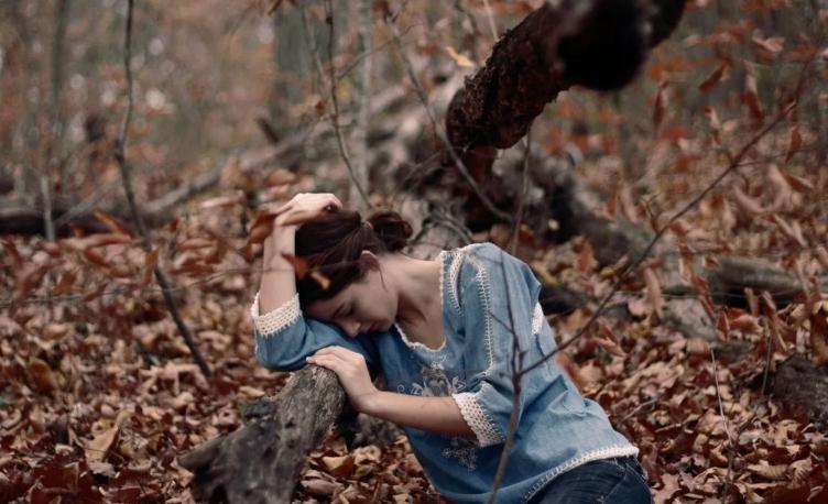 Кто чаще всего теряется в лесу, и как этого избежать: заряжать вовремя телефон