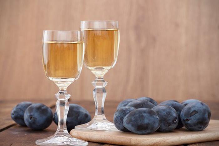 В Сербии будут дезинфицировать больницы фруктовым бренди