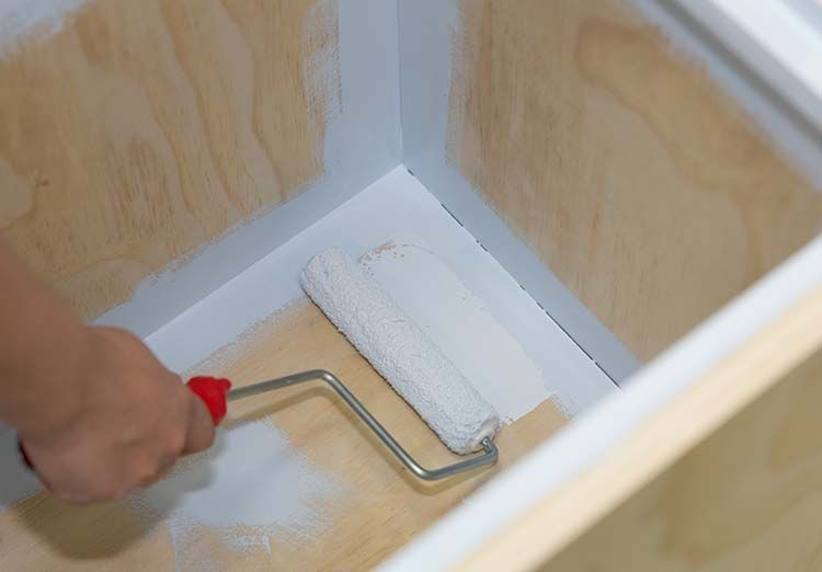 Как сделать для игрушек удобную коробку на колесиках: делюсь простым способом